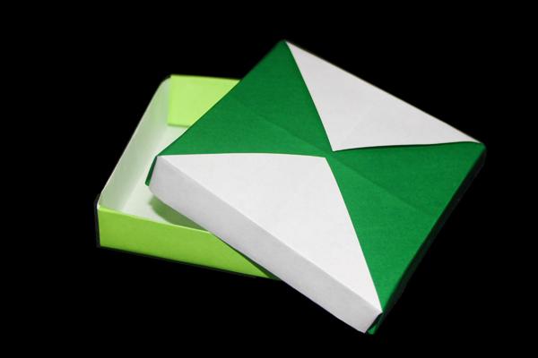 DIY Fruit & Veggie Stamped Origami Boxes | Handmade Charlotte | 400x600