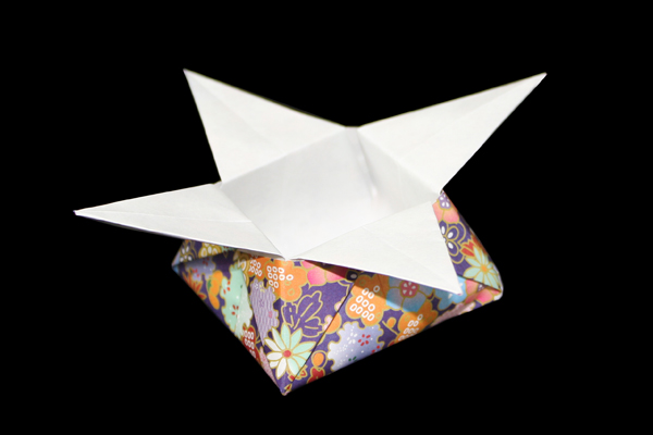 How to Make an Easy Origami Star Box | 400x600